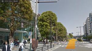 玉川通りを渋谷方向に直進します。